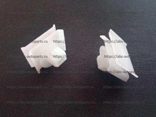 8975816321-Клипса угловой панели ISUZU NQR71, NQR75 клипса (D)